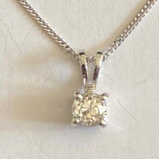 diamond pendant and necklace