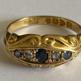 18ct god sapphire and diamond ring