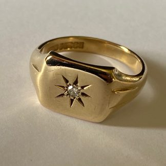 9CT GOLD DIAMOND SIGNET RING